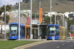Tenerife (Iles Canaries) 08/2008 - Rames Citadis 302 Alstom - Ligne 1 - Station Gracia - Croisement Des Rames 4 & 19 - Tenerife