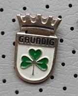 Grundig TV Television Radio Clover Germany Pin - Marche