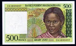 Madagascar 1998 500 Francs UNC Neuf Parfait   Voir Série De Cinq Numéros En Vente - Madagaskar