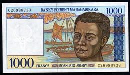 Madagascar 1998 1000 Francs UNC Neuf Parfait     Voir Série De Deux Numéros En Vente - Madagaskar