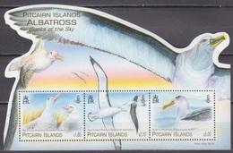 2014Pitcairn Islands900-902/B66Birds / Albatross13,00 € - Albatrosse & Sturmvögel