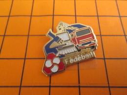 2317 Pin's Pins / Beau Et Rare / Thème BANQUES : FEDEBAIL CAMION GRUE MICROSCOPE ORDINATEUR Tout En Location ! - Bancos