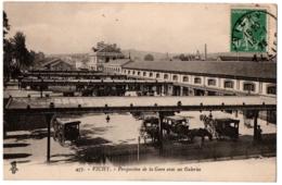 CPA 03 - VICHY (Allier) 457. Perspective De La Gare Avec Ses Galeries (attelage) - Vichy
