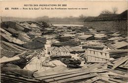 CPA Suites Des Inondations 1910 PARIS Porte De La Gare. (563064) - La Crecida Del Sena De 1910