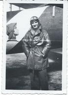 Photo D'un Aviateur Devant Son Avion Vers  1939 - Autres