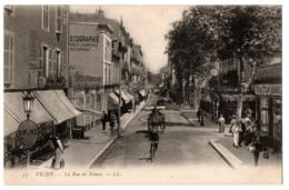 CPA 03 - VICHY (Allier) - 53. La Rue De Nîmes - LL - Vichy