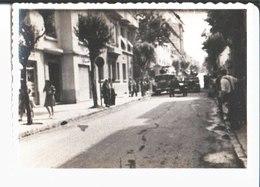Juan Les Pins. Tour De France Photo 1947 En Attendant Le Passage Du Tour De France. - Wielrennen