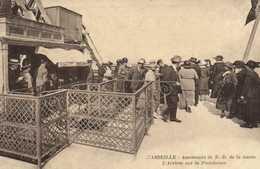 MARSEIILE  Ascenseurs De N D De La Garde L'Arrivée Sur La Plateforme  RV - Notre-Dame De La Garde, Aufzug Und Marienfigur