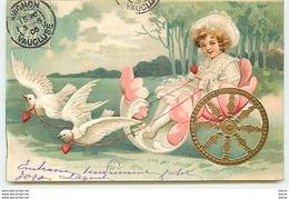 Carte Gaufrée - Fillette Dans Un Chariot Tiré Par Des Colombes - Autres