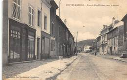 A - 19 - 217 - NEUVES MAISONS - RUE DE NEUFCHATEAU - HILLEMBRAND ED.  - CONFECTION  BONNETERIE - Neuves Maisons
