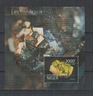 J313. Niger - MNH - 2013 - Nature - Minerals - Bl - Plants