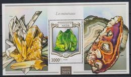 O945. Niger - MNH - 2015 - Nature - Minerals - Bl. - Plants