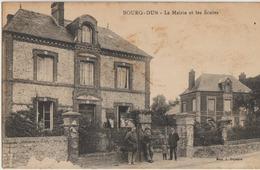 Bourg-Dun  76   La Mairie Et Les Ecoles-Trottoir Animé - Francia
