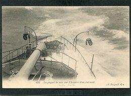 """CPA - Un Paquet De Mer Sur L'Arrière D'un Cuirassé (Le """"CHARLES MARTEL""""), Animé  (dos Non Divisé) - Guerre"""