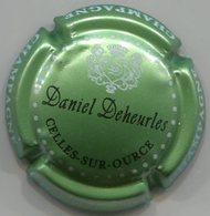 CAPSULE-CHAMPAGNE DEHEURLES Daniel N°23 Fond Vert Pâle Métallisé - Champagne