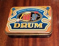 DRUM Tabak Originele Halfzware Shag Tobacco Old Tin Case 50gram - Tabaksdozen (leeg)