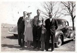 Photo Originale USA Voiture Américaine Ford Coupé Deluxe 1936 En Duo Et Bande De Copains - Automobiles