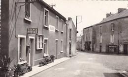 Deux-Sèvres - Saint-Sauveur - Place De La Mairie - Frankrijk
