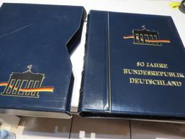 50 JAHRE BUNDERREPUBLIK DT. SONDEREDITION DER POST MIT MARKEN / BILD UND TEXR  Im  RINGBINDER - Briefmarken