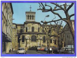 Carte Postale 26. Valence-sur-Rhone  DS Citroën  Place De La Cathédrale  Trés Beau Plan - Valence