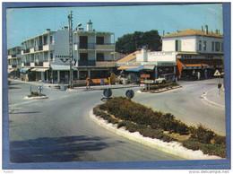 Carte Postale 83. Boulouris  Rond Poind De La Gare  La COOP Citroën Méhari   Trés Beau Plan - Boulouris