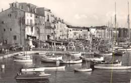 83 - St TROPEZ - Le Quai - Saint-Tropez
