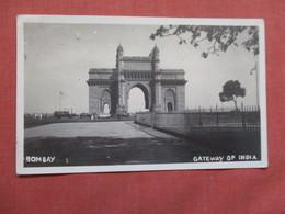 Bombay  Gateway Of India  RPPC   Has Stamp & Cancel > Ref 3747 - India