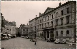 41thn 1911 CHALON SUR SAONE - LA PLACE SAINT PIERRE ET L'HOTEL DE VILLE - Chalon Sur Saone
