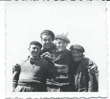 Photo Grenoble 1936   - 4  Copains  D'un Aviateur En Civile Avec Les Noms Au Dos - Aviation
