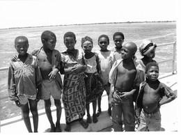 Photo Mozambique Enfants Sur Le Pont De L'île De Mozambique. Vers 1995 - Africa