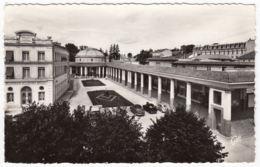 CPA Contrxeville, L'Etablissement Hydromineral Et Le Grand Hotel, Gel. - France