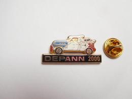 Beau Pin's En Zamac , Auto , Dépannage , Dépann 2000 , Signé Afers - Pin's