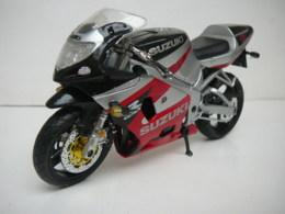 SUZUKI  MOTO 750 R  GSX  1/12  LIRE ET VOIR !! - Motorcycles