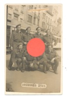 Photo Carte D'un Groupe De Militaires à Bruxelles En 1946 - Armée Belge - Tram, Tramway (b269) - Personnages