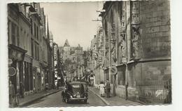 45 . MONTARGIS . LA RUE DE LOING . COMMERCES ET VOITURE PEUGEOT 203 - Montargis
