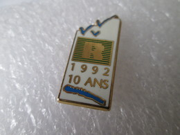 PIN'S     R  1992 10 ANS  BNP  Arthus Bertrand - Banken