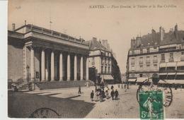 C. P. A.-  NANTES - PLACE GRASLIN - LE THÉÂTRE ET LA RUE CREBILLON - 158 - N. D. - Nantes