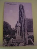 PLOZEVET (FINISTERE) MONUMENT AUX MORTS. QUILLIVIC, SCULPTEUR. - Plozevet