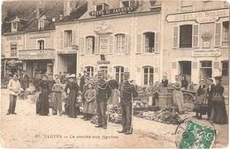 Dépt 28 - CLOYES-SUR-LE-LOIR - Le Marché Aux Légumes - (Hôtel Saint-Jacques Et Hôtel Du Soleil) - Éditeur Le Deley N° 30 - Cloyes-sur-le-Loir