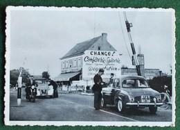 Adinkerke - Frontière - La Douane Française - Ed. D'artiste-Linkebeek - Circulé 1961- Gros Plan 2CV Et Renault Dauphine - De Panne