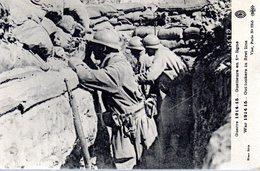 WW1  -  Guetteurs En 1ere Ligne  -  Out Lookers In First Line - Guerra 1914-18