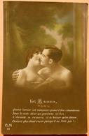 CARTE COUPLE DENUDE - LE BAISER  - QUAND L'AMOUR EST VAINQUEUR... - SCAN RECTO/VERSO - Couples
