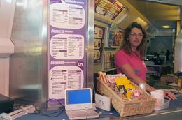 - SNCF - TGV - Personnel De Bar  - Carte Postale Moderne - 5.570 - Ohne Zuordnung
