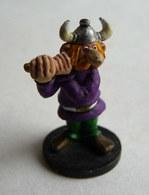 RARE FIGURINE ASTERIX HOBBY PRODUCTS 1990 PEINTE A LA MAIN PORTEUR DE PAVOIS GAUCHE - Asterix & Obelix