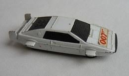 VOITURE CORGI Juniors JAMES BOND 007 LOTUS ESPRIT - Corgi Toys