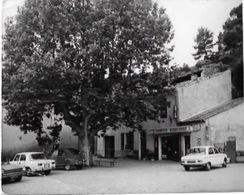 CPSM E MEZEL - Place Eloi Pin - Frankreich
