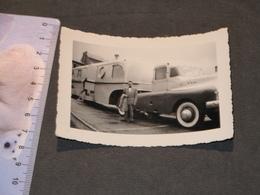 RADIO CIRCUS CAMION/CARAVANE PHOTOGRAPHIE A BASTOGNE EN JUIN 1953 - Métiers