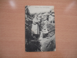Guerre 14.18  Tranchee 1 Er Ligne Guetteur Au Creneau - Guerra 1914-18