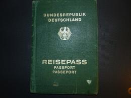 West Germany Passport 1985 RARE Travel Document  Passeport Reisepass - Documenti Storici