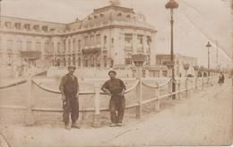 Carte Photo Trouville - Le Nouveau Casino Côté Plage (avec Photographie De 2 Ouvriers En Juillet 1924) - Trouville